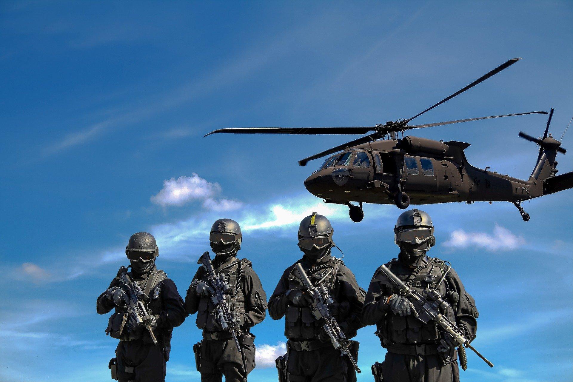 zolnierze-helikopter